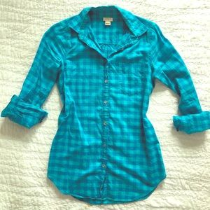 J Crew Adorable Preppy Button Down Shirt